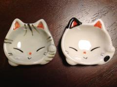 静岡のおみやげ アメショと白黒ブチ猫の豆皿