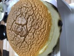 大阪のおみやげ りくろーおじさん チーズケーキ
